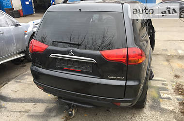 Mitsubishi Pajero Sport  2012