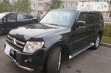 Mitsubishi Pajero Wagon 4 2008