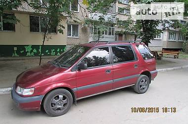 Mitsubishi Space Wagon  1996