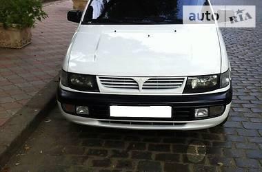 Mitsubishi Space Wagon  1997