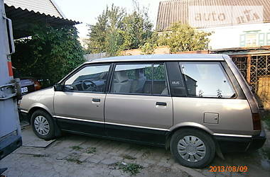 Mitsubishi Space Wagon  1986