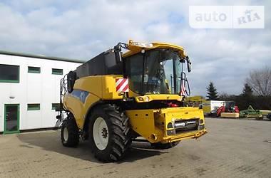 New Holland CR  2009