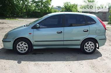 Nissan Almera Tino  2001