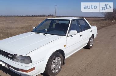 Nissan Bluebird  1988