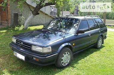 Nissan Bluebird  1989