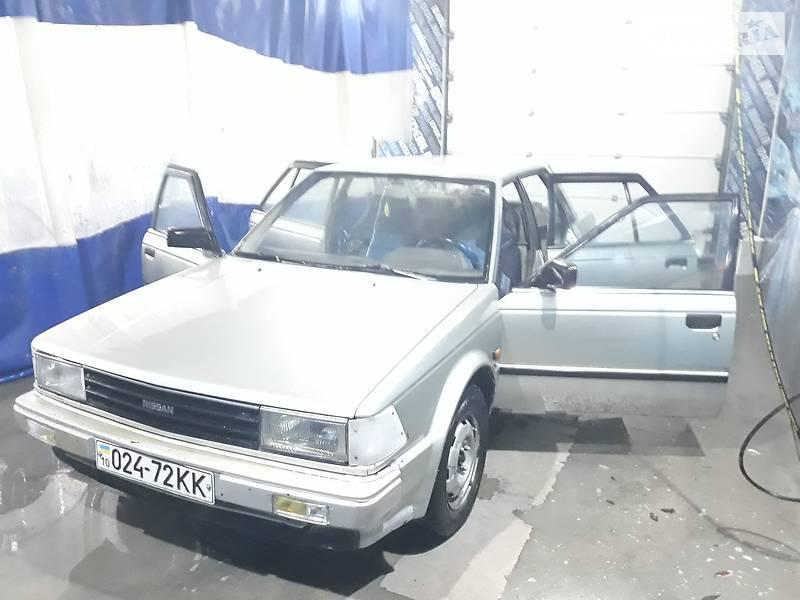 Nissan Bluebird 1986 року