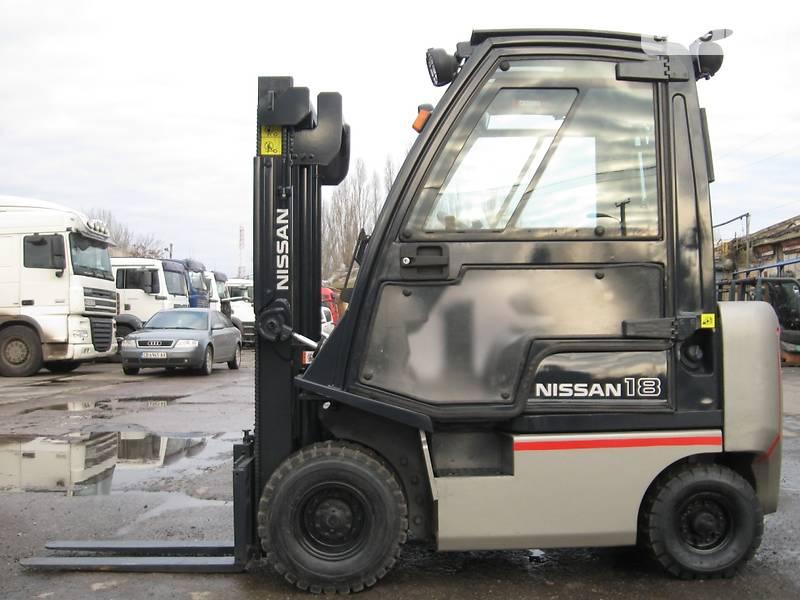 Nissan F