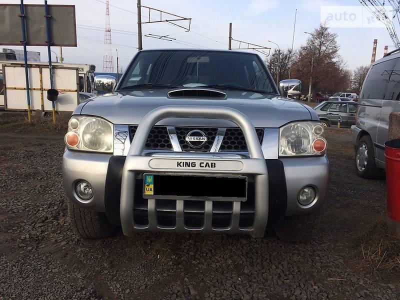 Nissan Frontier 2000 года