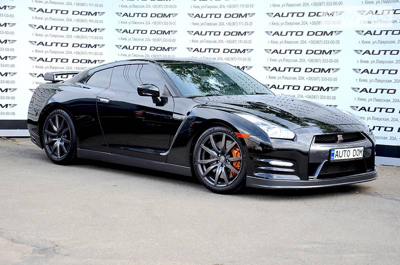 Nissan GT-R 2012 года