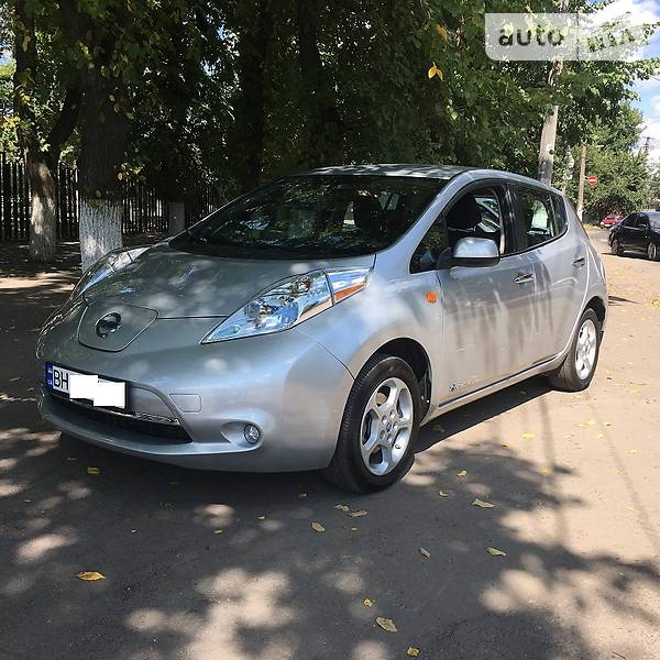 Nissan Leaf 2014 года