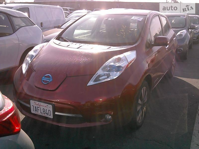 Nissan Leaf 2013 року
