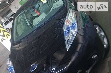Nissan Leaf SV LED 2011