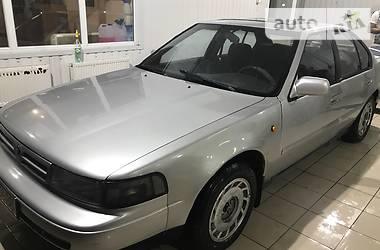 Nissan Maxima  1990