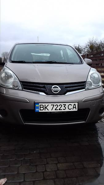 Nissan Note 2011 года