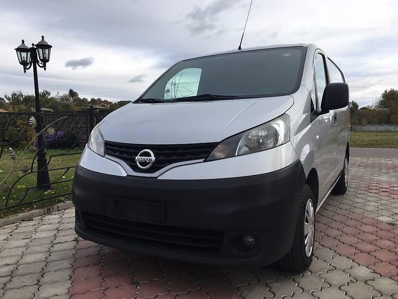 Nissan NV 2012 года