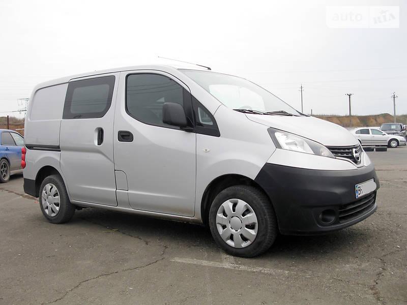 Nissan NV 2013 года