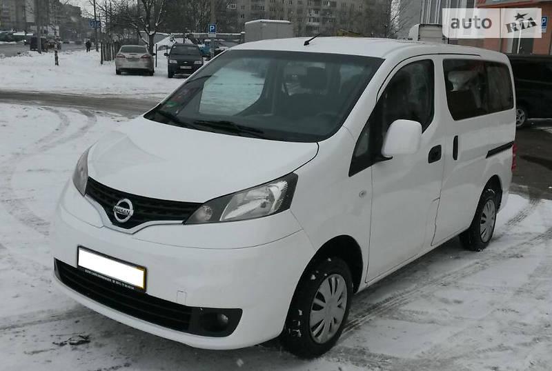 Nissan NV 2011 года
