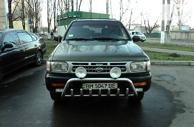 Nissan Pathfinder  1996