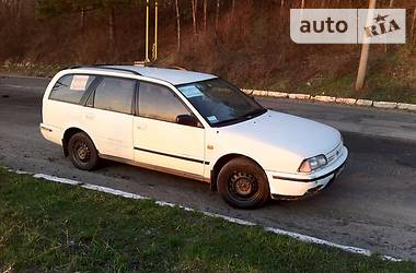 Nissan Primera W10 1990