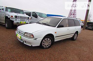 Nissan Primera 2.0  1990