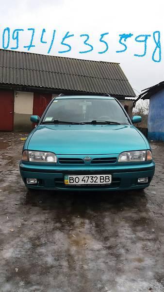 Nissan Primera 1992 року