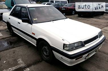 Nissan Skyline  1990