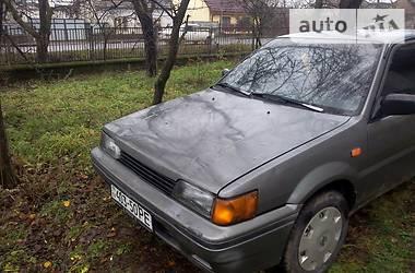 Nissan Sunny  1989