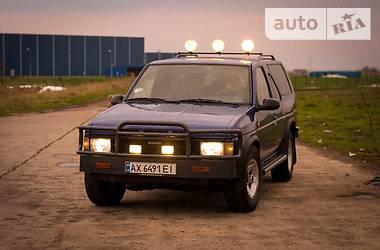 Nissan Terrano  1990