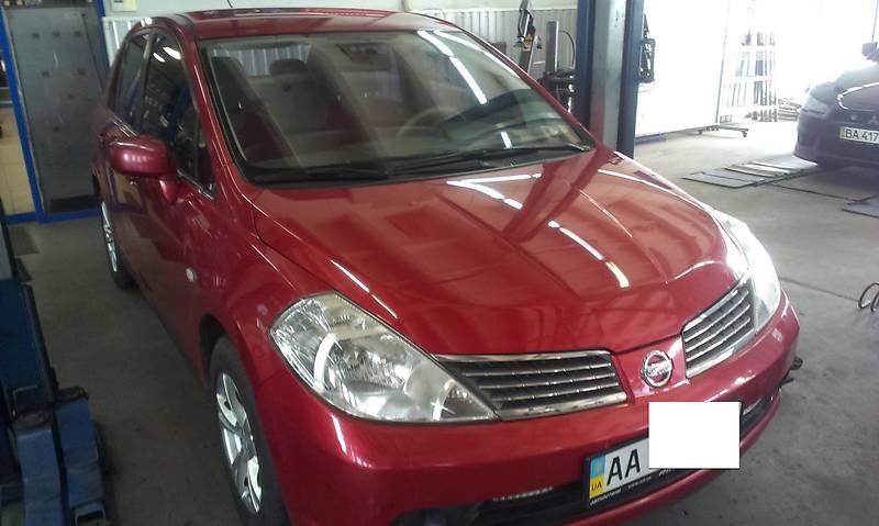 Nissan Tiida 2006 года