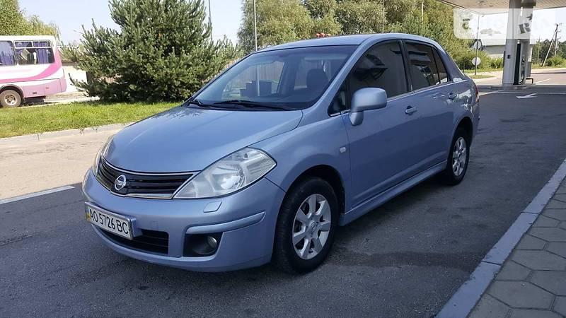 Nissan Tiida 2012 года