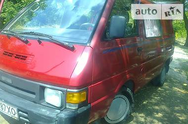 Nissan Vanette пасс.  1988