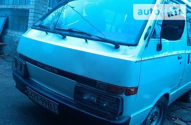 Nissan Vanette пасс.  1993