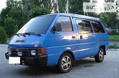 Nissan Vanette пасс.  1989