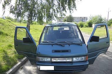 Nissan Vanette пасс.  1992