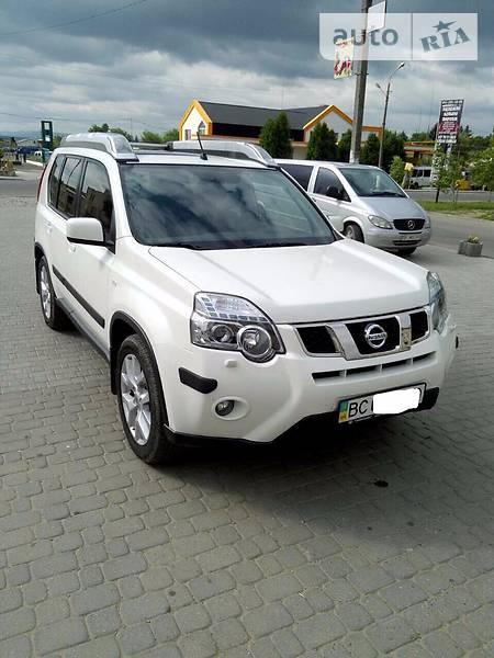 Nissan X-Trail 2011 року