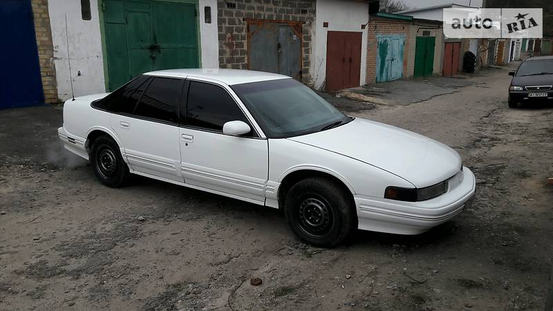 Oldsmobile Cutlass 1992 року