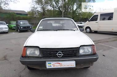 opel ascona 1986 большой расход топлива