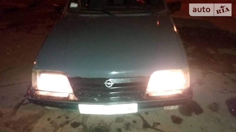 Opel Ascona 1985 року