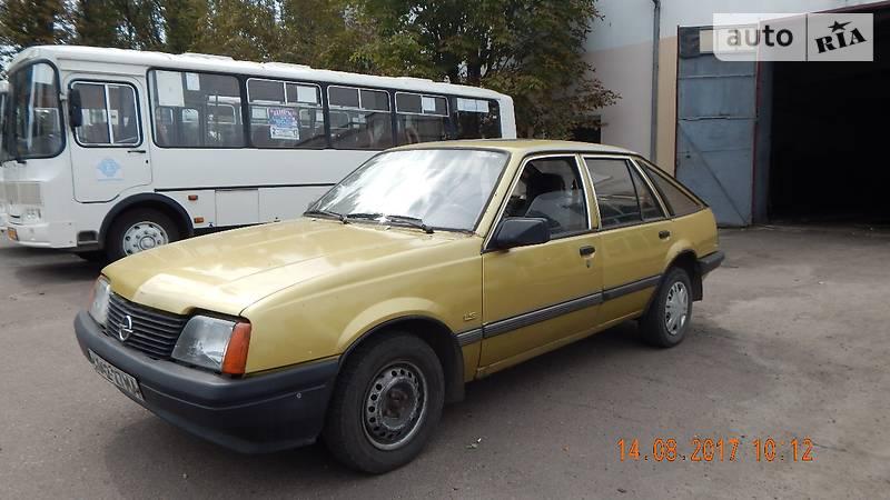 Opel Ascona 1984 року