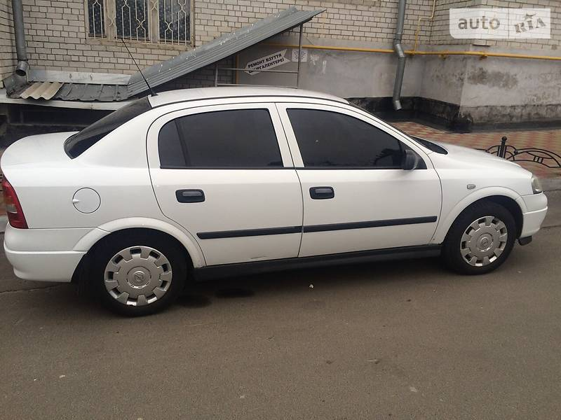 Opel Astra 2008 року