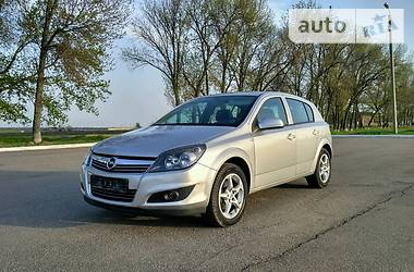 Opel Astra H  2014