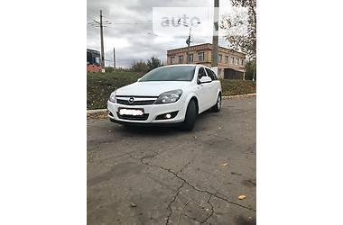 Opel Astra H  2012