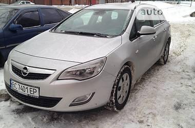Opel Astra J 1.7  2011