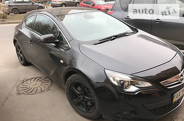 Opel Astra J GTC 2013