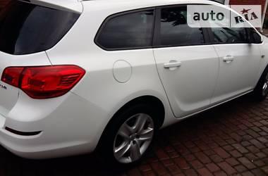 Opel Astra J Sports 2011