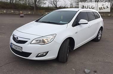 Opel Astra J 1.7 CDTI 2011