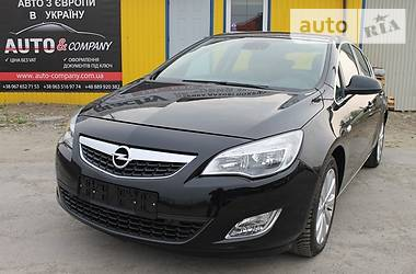 Opel Astra J COSMO 2010