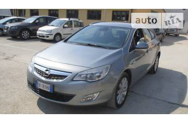 Opel Astra J Cosmo 1.7 92kw 2011