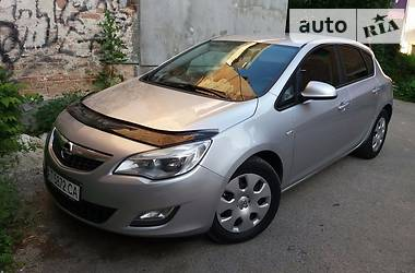 Opel Astra J 125к.с. 2010