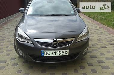 Opel Astra J cosmo 2012